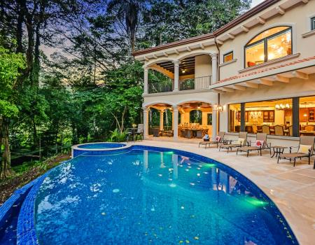 Luxury costa rica vacation rentals real estate hrg for Costa rica luxury rentals